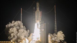 """صاروخ """"أريان 5"""""""