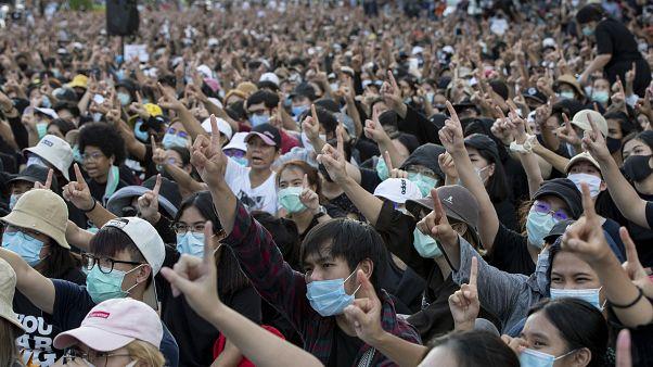 Les manifestants pro-démocratie manifestent à Bangkok, en Thaïlande, le 16 août 2020 et intensifient la pression sur le gouvernement.