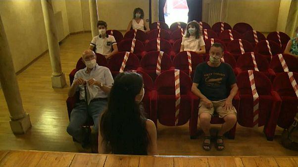 Teatro mais pequeno do mundo abre-se ao turismo