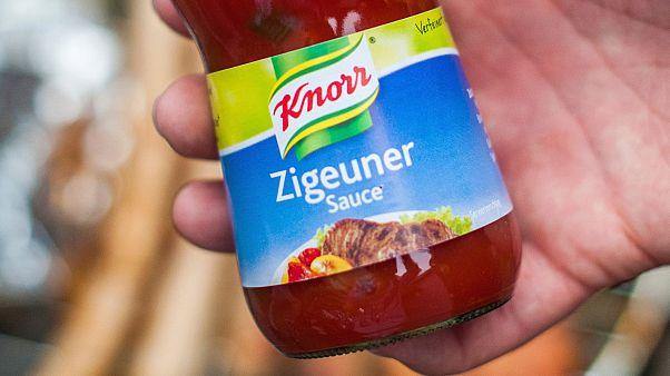 Alman hazır gıda üreticisi Knorr, çingene sosu anlamına gelen Zigeuner ürününün ismini ırkçılık tepkileri üzerine değiştirdi.