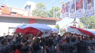 Funérailles de trois pompiers à Beyrouth, près de deux semaines après l'explosion meurtrière