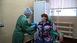 Testes clínicos na Rússia