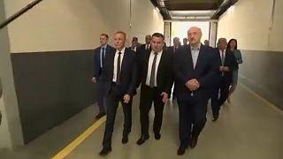 Lukaschenko verspricht Neuwahlen - nach einer Verfassungsänderung
