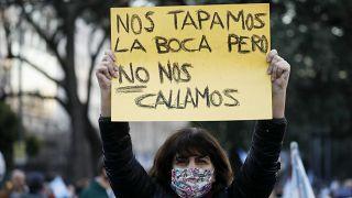 الأرجنتينيون يتظاهرون ضد إجراءات الحجر