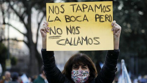 Manifestante en Buenos Aires en la marcha contra el Gobierno