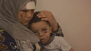 Aisha con su hijo tras la explosión