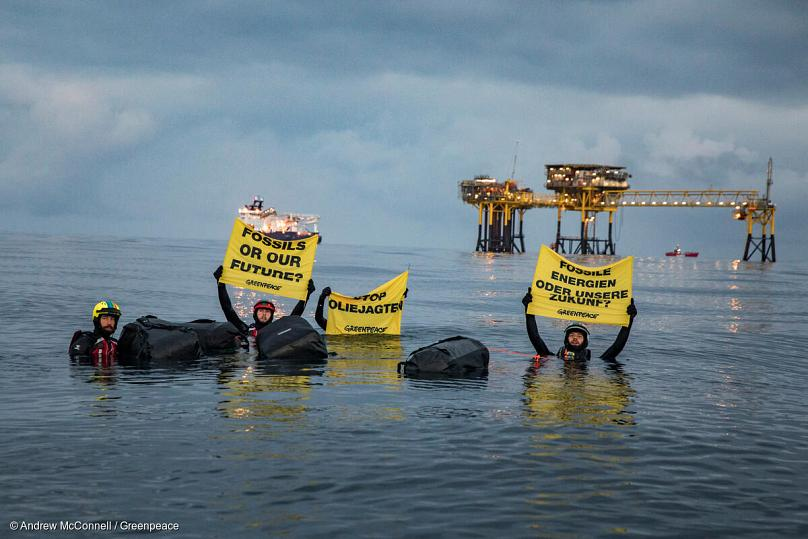 Andrew McConnell / Greenpeace
