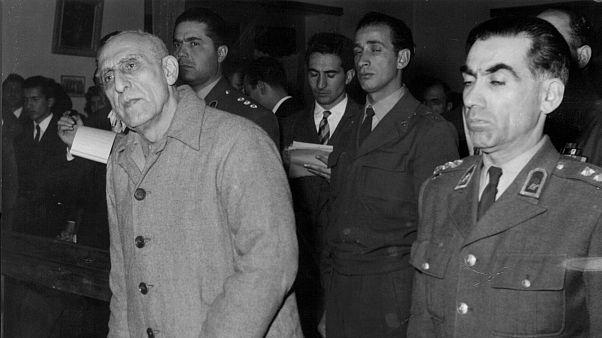 محاکمه محمد مصدق، نخستوزیر پیشین ایران در دادگاه نظامی پس از کودتای ۲۸ مرداد