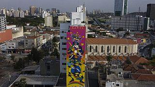 Edifício em São Paulo, após intervenção artística