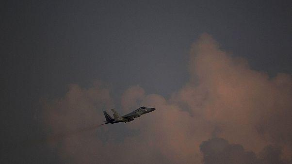 هواپیمای جنگنده اسرائیلی در آسمان
