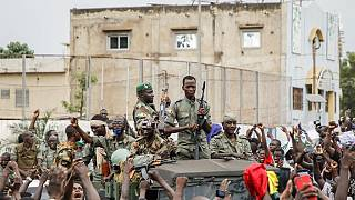 Mali president and PM detained by mutinying soldiers