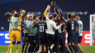 خوشحالی بازیکنان تیم پاریسنژرمن پس از راهیابی به فینال لیگ قهرمانان اروپا
