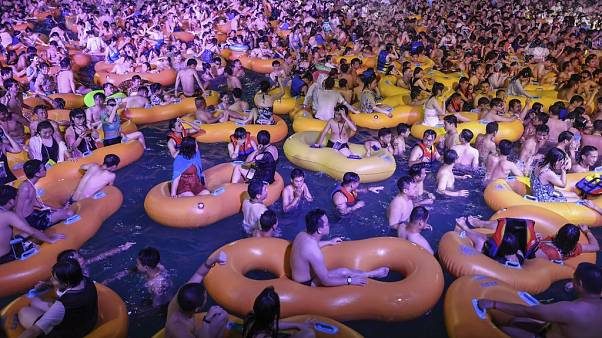 Pool-Party in Wuhan