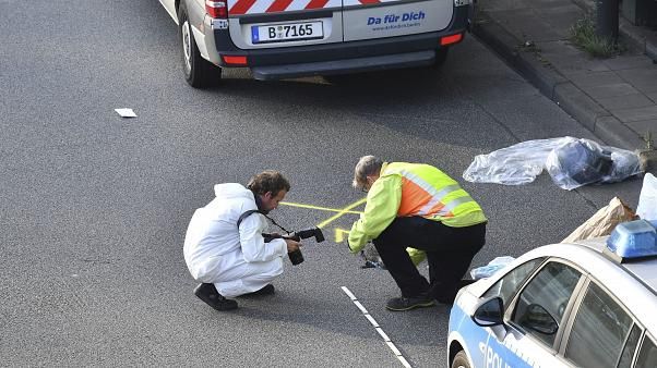 Berlino: iracheno in auto a folle velocità contro gli altri veicoli, per la polizia è terrorismo
