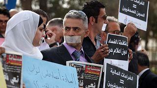 صحفيون أردنيون يحتجون أمام مجلس النواب الأردني، 29 سبتمبر 2011.