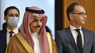 وزير الخارجية السعودي إلى جانب نظيره الألماني