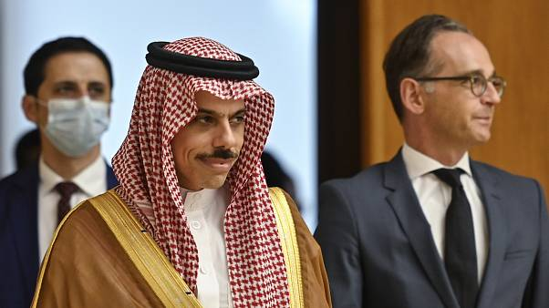 السعودية نيوز |      الخارجية السعودية تعليقا على اتفاق التطبيع: المملكة ملتزمة بمبادرة السلام العربية
