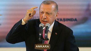رجب طيب أردوغان، يلقي كلمة خلال حفل أقيم بمناسبة الذكرى الـ19 لتأسيس حزب العدالة والتنمية، أنقرة، 13 أغسطس 2020.
