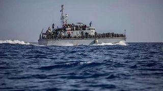 کشتی حامل پناهجویان