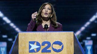 Kamala Harrist választotta alelnökjelöltnek a demokrata konvenció