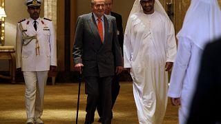 Re Juan Carlos con il sultano Ahmed al Jaber, ministro di Stato degli Emirati Arabi Uniti, nell'aprile 2014