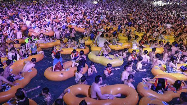 Vuhan'daki havuz partisi