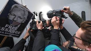 جوليان أسانج بعد مثوله أمام محكمة وستمنستر الابتدائية، لندن، يوم الاثنين 13 يناير2020.