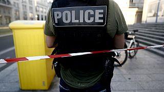 Şiddet gören 17 yaşındaki kızın ailesi gözaltına alındı