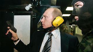 Putyin fegyvert próbál (2006, archív)