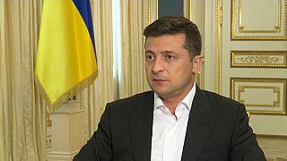Il presidente ucraino Volodymyr Zelensky intervistato da Euronews