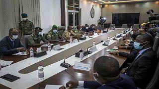 لقاء وفد دول غرب إفريقيا مع قادة الإنقلاب العسكري في مالي