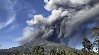 فوران دوباره آتشفشان سینابونگ اندونزی