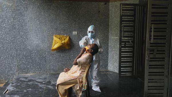 Índia ultrapassa três milhões de casos de Covid-19