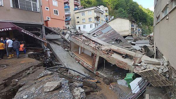 ویرانیهای سیلاب در شهر درلی ترکیه