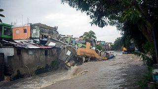 Vivienda derrumbada tras el paso de la tormenta tropical por República Dominicana
