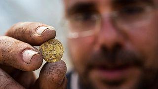 کشف سکههای طلا متعلق به دوران عباسی در اسرائیل