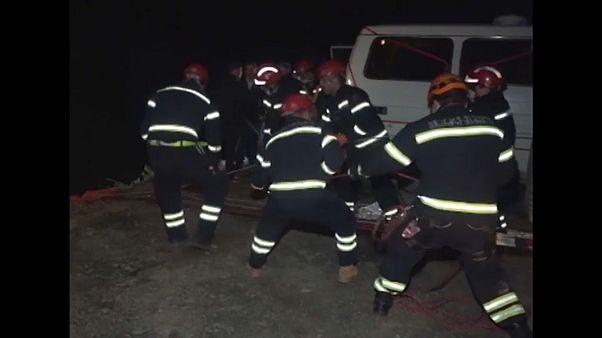 Спасательная операция на месте аварии.