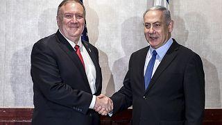 صورة أرشيفية للقاء بين وزير الخارجي الأمريكي ورئيس الوزراء الإسرائيلي