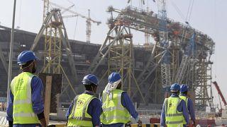 عمّال وافدون في قطر