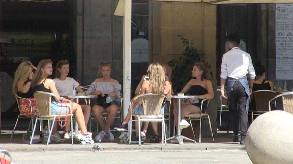 Cataluña prohibe las reuniones de más de 10 personas.