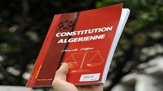 نسخة من الدستور الجزائري- أرشيف