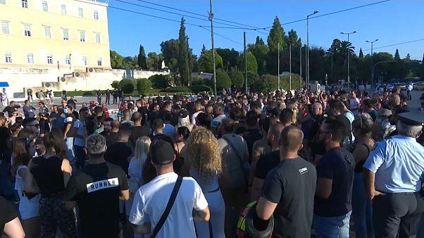 Grecia, la protesta della gente della notte