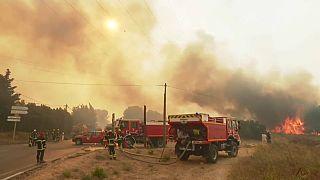 In Südfrankreich stehen die Wälder in Flammen