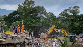 Un immeuble s'est effondré à Mahad, en Inde.