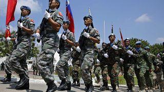 استعراض لقوات حفظ السلام التابعة للأمم المتحدة، استعدادا لتسليم القيادة إلى مهمة أخرى تابعة لليونيفيل في مدينة الناقورة. 2018/08/07