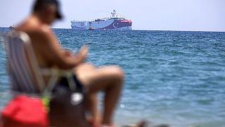 Le navire de recherche turc, Oruc Reis, ancré au large d'Antalya sur la Méditerranée, en Turquie, lundi 27 juillet 2020