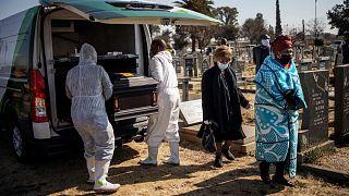 مقبرة أفالون في منطقة.سويتو، شرق جنوب أفريقيا،24 يوليو 2020