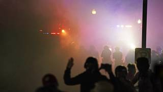 ABD basınını göre, Jacob Blake isimli bir siyah vatandaşın polis tarafından arkadan vurması sonrası başlayan protestolarda salı gecesi bir kişi vurularak öldürüldü.