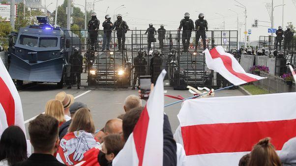 Belarus'ta salı günü düzenlenen protesto gösterilerinde 51 kişi gözaltına alındı.