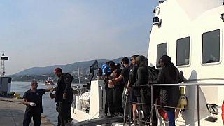 Desembarco de algunos de los rescatados.